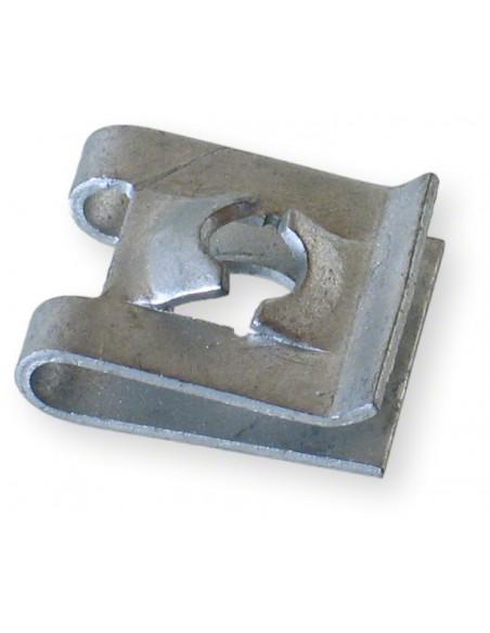 Clips till kåpor 4 mm